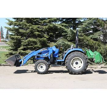 Tractor, Mid Size MFWD  w/Loader